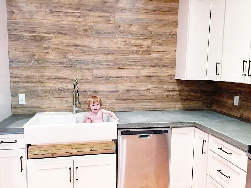 ламинат без фаски на кухне
